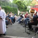 Pastoralreferent Robert Grätz mit Posaunenchor