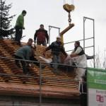 Verteilen der Dachziegel